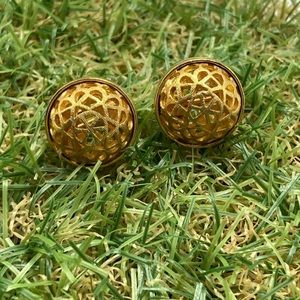 Vintage gold plate lace dainty round stud minimal